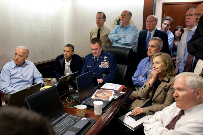 Osama-Bin-Laden-Barack-Obama-Hilary-Clinton-situation-room-white-house-Spezialkommando-special-forces-Exekution-Hinrichtungskommando-Kritisches-Netzwerk-Lynchjustiz