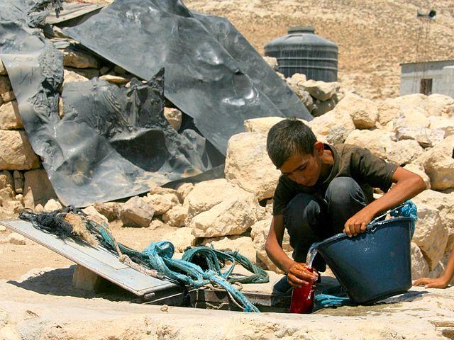 http://www.kritisches-netzwerk.de/sites/default/files/u17/Water_supply_sanitation_resources_Hygiene_Trinkwasser_Desalination_groundwater_Desalinated_seawater_West_Bank_Gaza_strip_Gazastreifen_Palaestina_Palestine_EWASH_Wasserversorgung.jpg