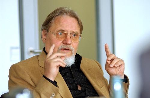 Wolfgang J. Koschnick