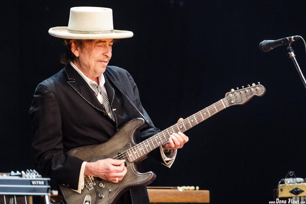 Bob-Dylan-Robert-Allen-Zimmerman-Triplicate-Rough-and-Rowdy-Ways-Kritisches-Netzwerk-Singer-Songwriter-Murder-Most-Foul-Point Dume-Malibu-False-Prophet
