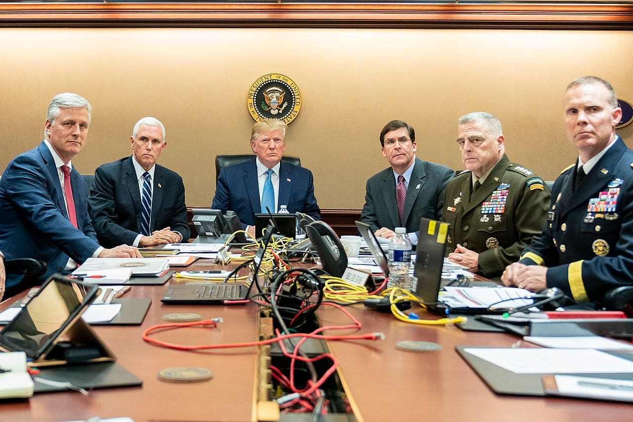 Donald-Trump-Mike-Pence-Robert-O'Brien-Mark-Esper-Mark-Milley-Marcus-Evans-Situation-Room-Kritisches-Netzwerk-Abu-Bakr-al-Baghdadi-Voyeurismus