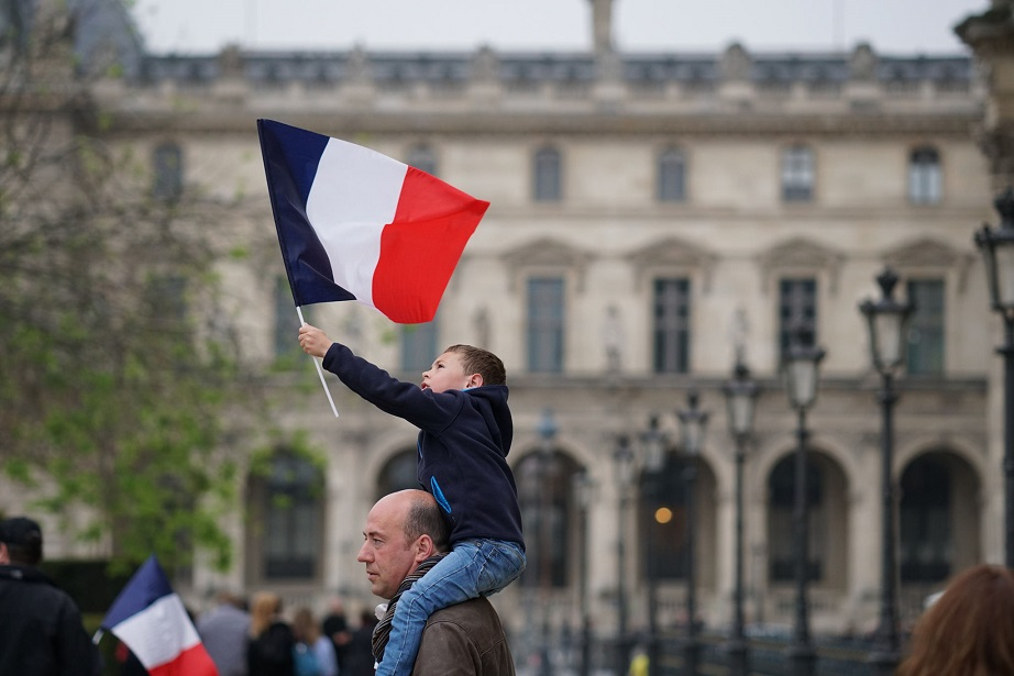 french_election_1_celebrations_at_the_louvre_paris_frankreich_emmanuel_macron_en_marche_front_national_kritisches_netzwerk_le_pen_parlamentswahlen_parti_de_gauche_socialiste.jpg