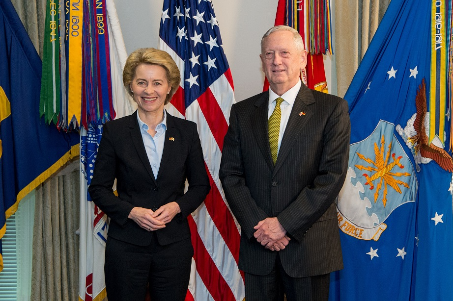 ursula_von_der_leyen_james_norman_mattis_mad_dog_kritisches_netzwerk_secretary_of_defense_secdef_marine_corps_warrior_monk_verteidigungsminister_united_states_donald_trump.jpg