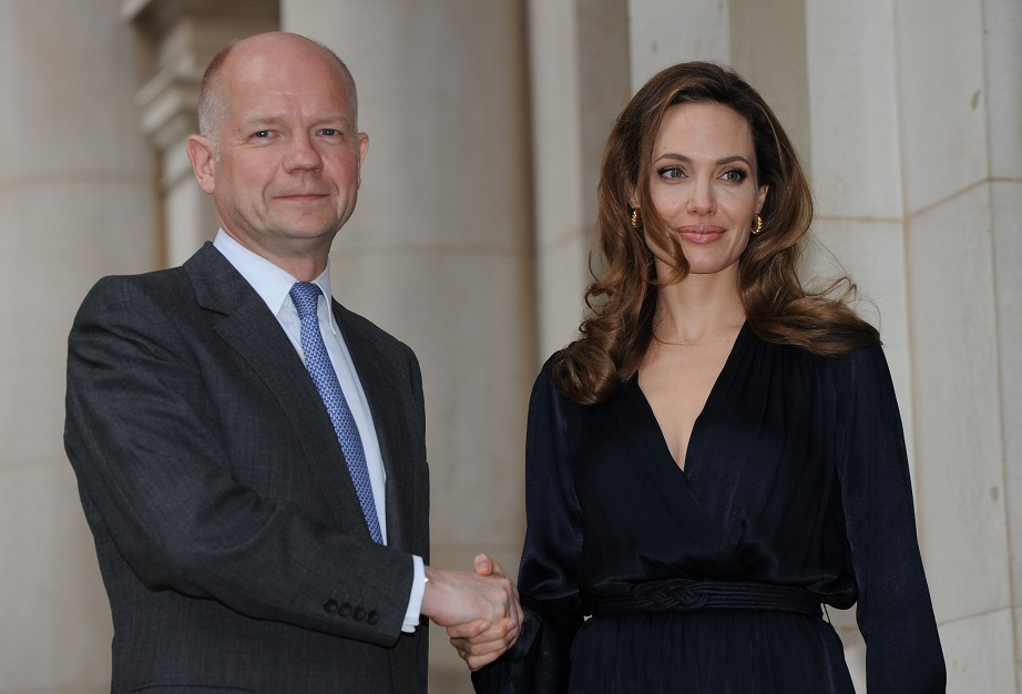 william_hague_angelina_jolie_former_secretary_of_state_for_foreign_affairs_conservative_party_rape_powys_kritisches_netzwerk_house_of_lords_euro_burning_building_with_no_exits.jpg